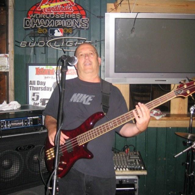 bass77