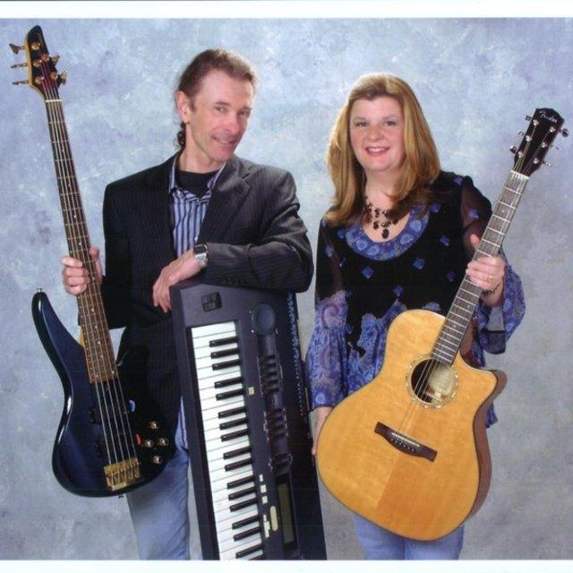Julie Anne-Robert Bruce Duo