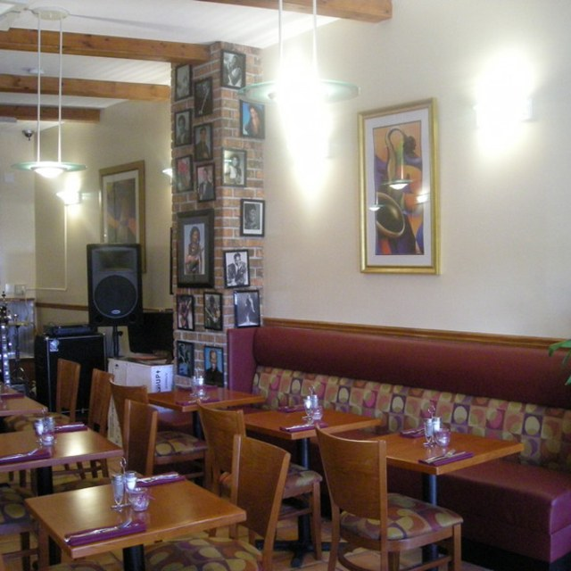 mickymo's cafe and lounge