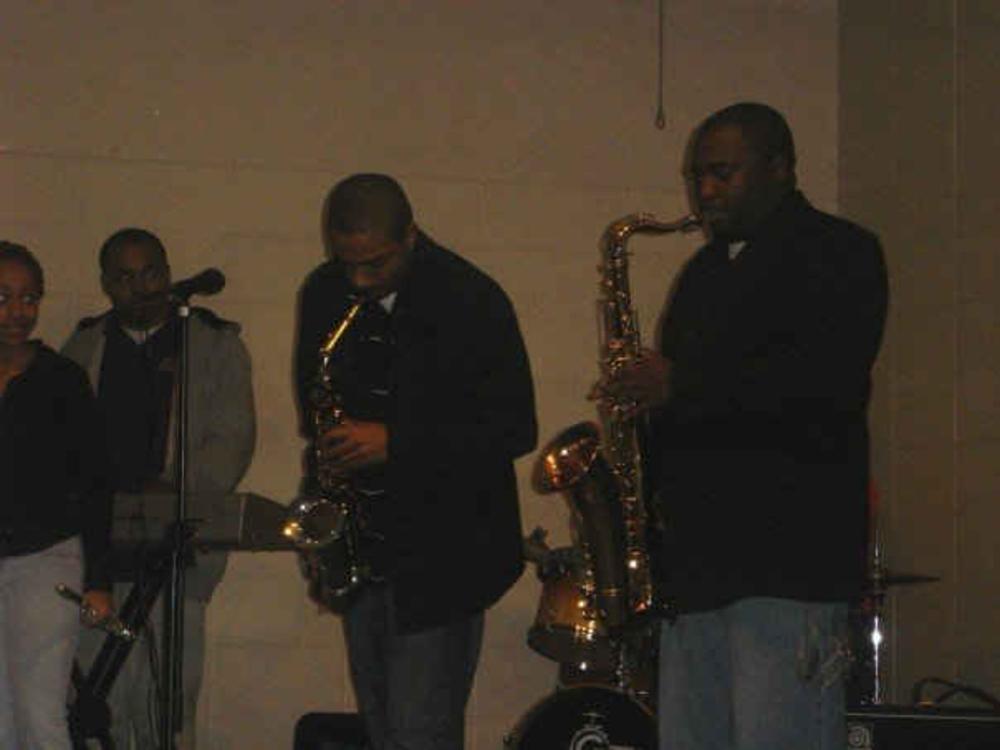 Grady Henderson Musician In Memphis Tn Bandmix Com