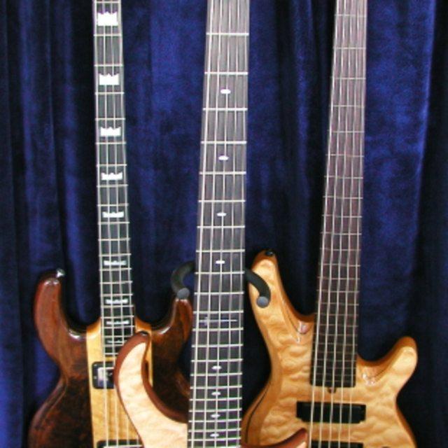 MikePanek - Bass