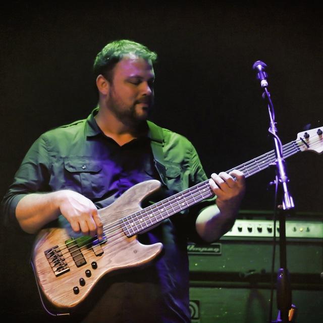 Curtis Dixon
