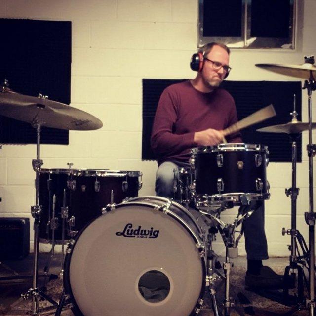 Drummer_Hare