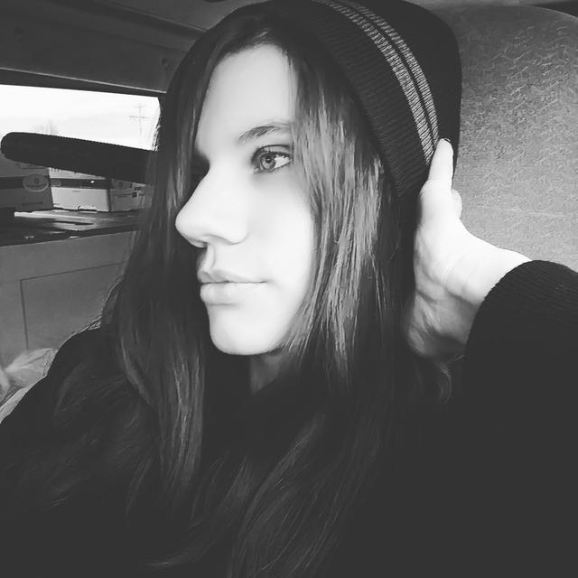 Kaylyn_Skies