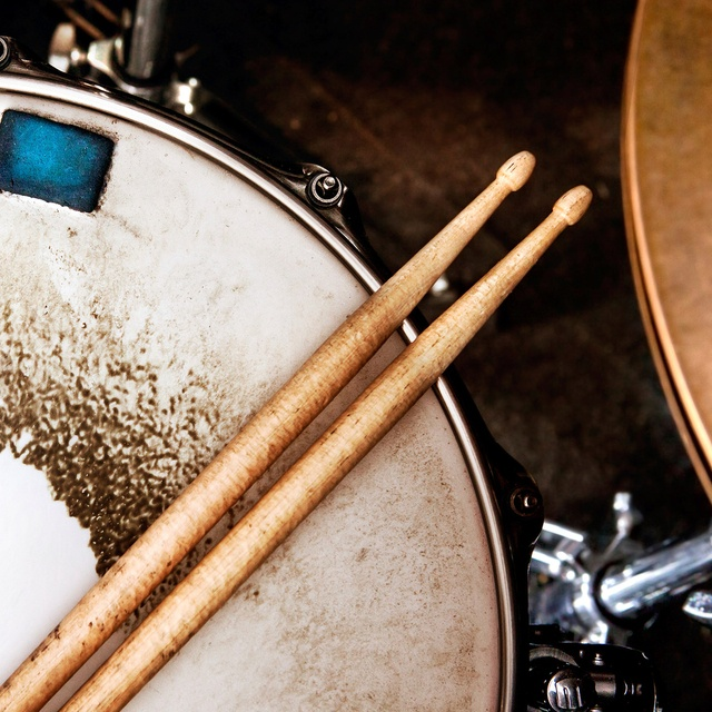 Drummerwitnoband