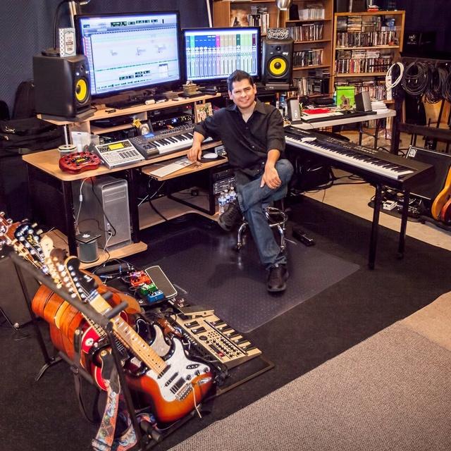Javy Bojorquez-Music Producer