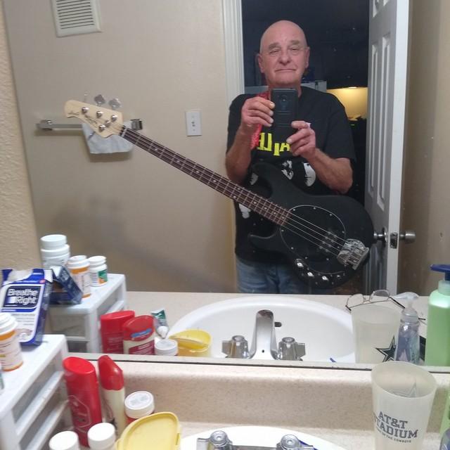 Brimoy bassist