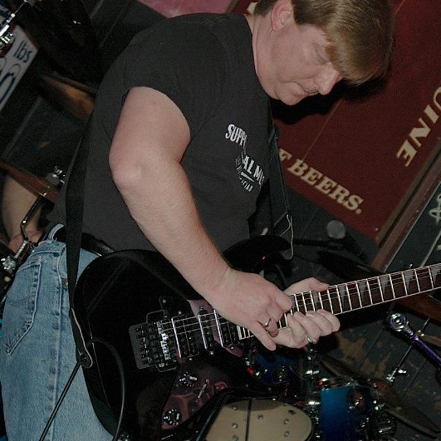Lead Guitarist Looking