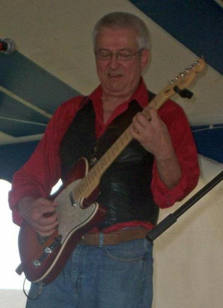 Rock Springs Wi >> PHutch - Musician in Buffalo Grove IL - BandMix.com
