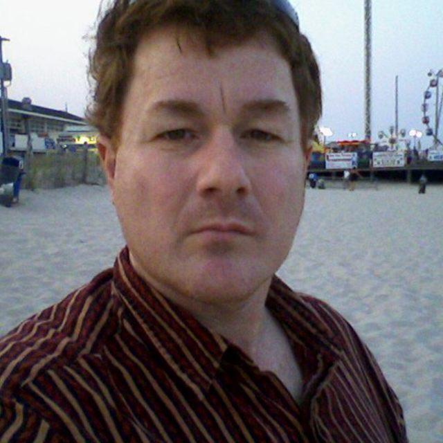Tommy Lynch-Singer-songwriter