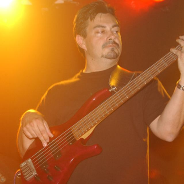 Woody Smith - Bassist