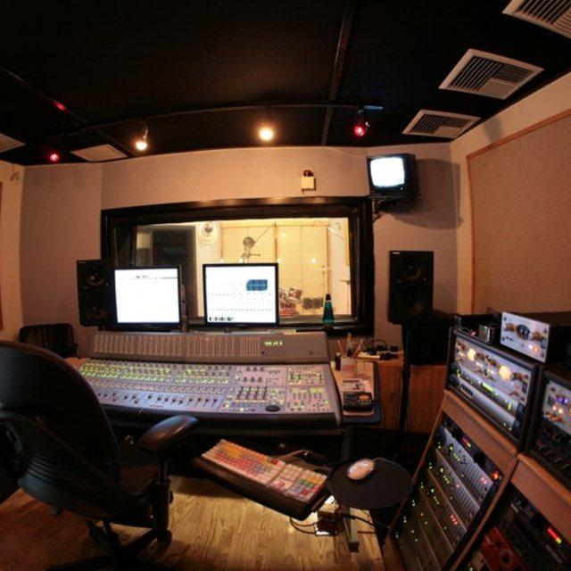 RecordingDrummer