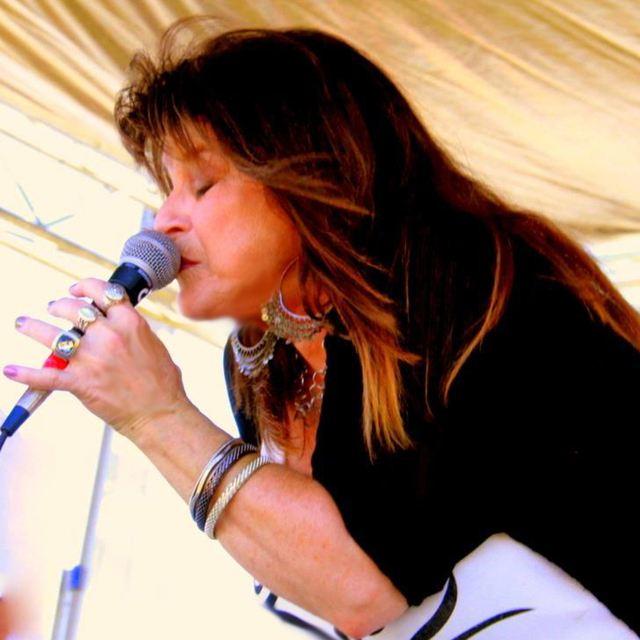 Michele Lundeen & Blues Streak