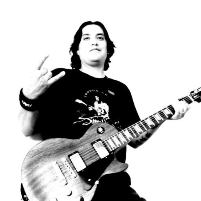 Johnny Singer-Songwriter