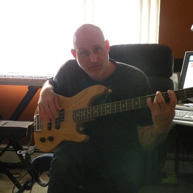 Praise Bass 777