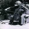 barefoot_cellist