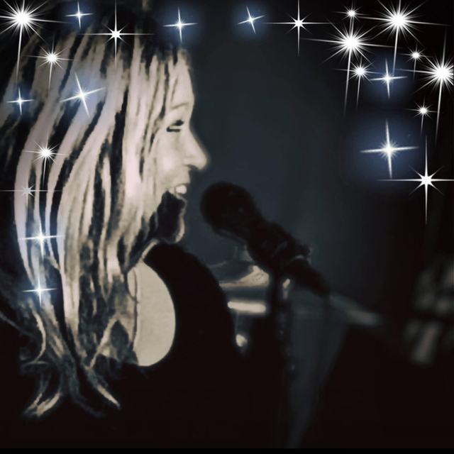 Mia Hart