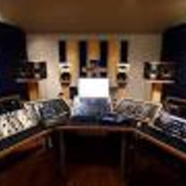 Glisten Masterhouse