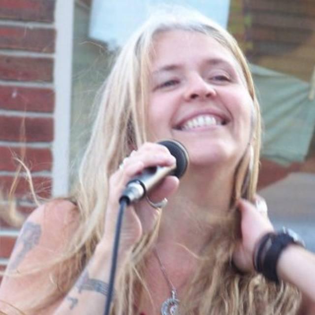 Lisa Songbird