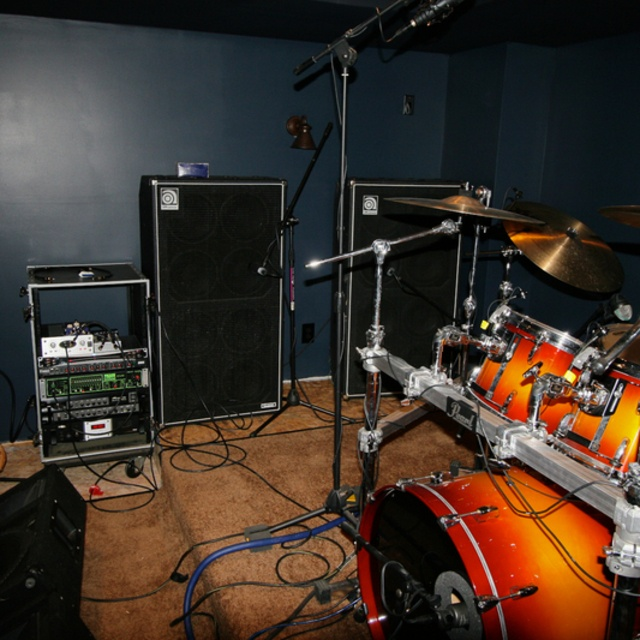 DRUMMER WANTED!!!!