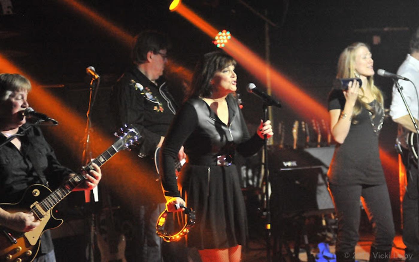 Rock Diva 700 Musician In Arlington Heights Il Bandmix Com