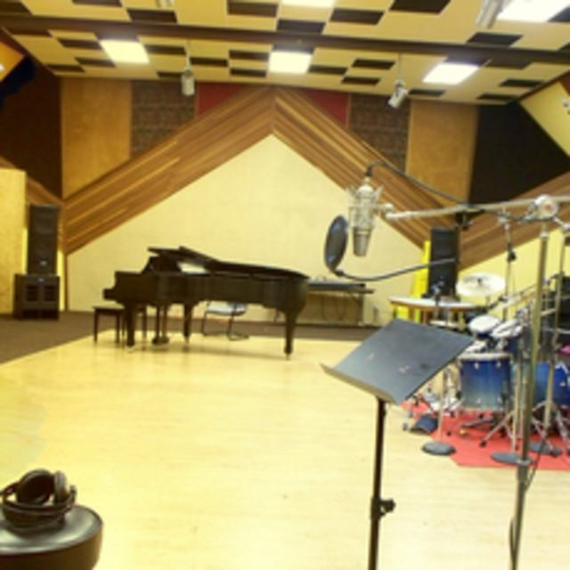 El adobe recording studio el paso tx recording for Music studio flooring