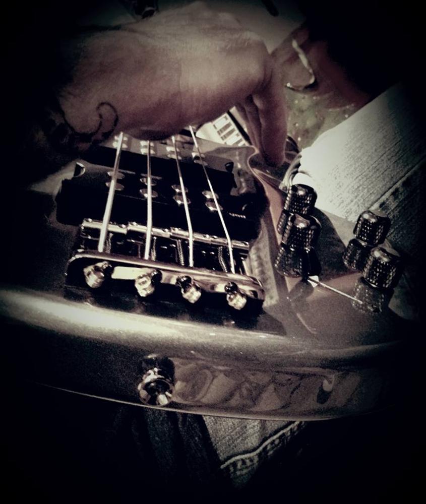 Warwick Bass Guitar Wallpaper: Musician In Phoenix AZ