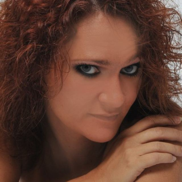 Auburn Diva
